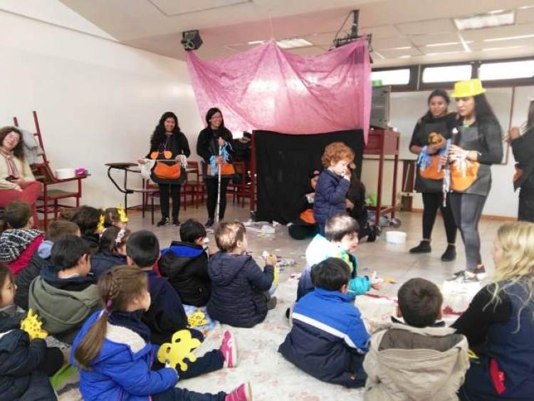 Interpretaron cuentos musicales a niños de la ECVA