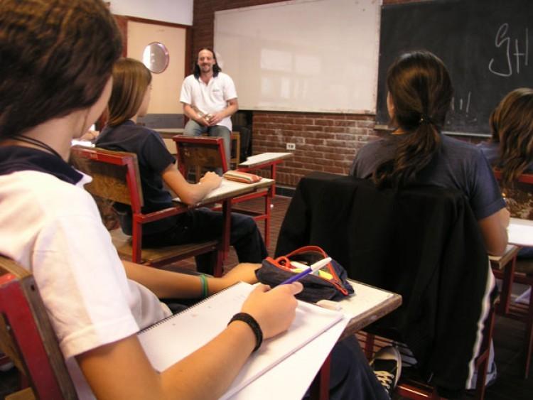Convocan a docentes para formar base de datos para reemplazos o suplencias 2020