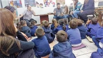 Alumnos de sala de 5 visitaron la Biblioteca de la ECVA