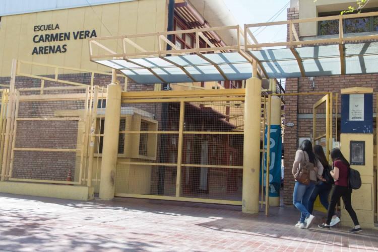 La Escuela Carmen Vera Arenas saluda a la Facultad de Educación por sus 24 años